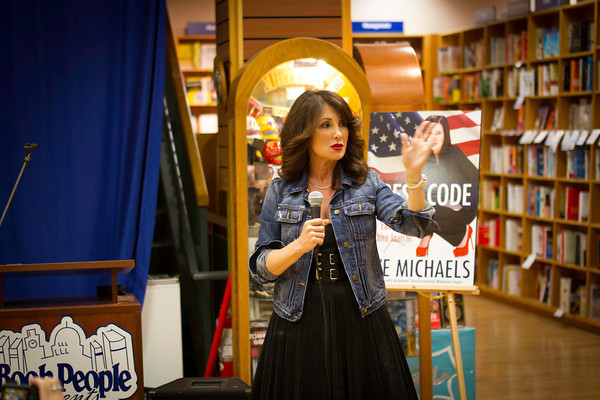 "Fashionista and Author, Eve Michaels, ""Dress Code: Ending Fashion Anarchy"""